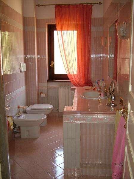 Villa villino in vendita a rende recente costruzione for Piani di cabina di tronchi di 2 camere da letto