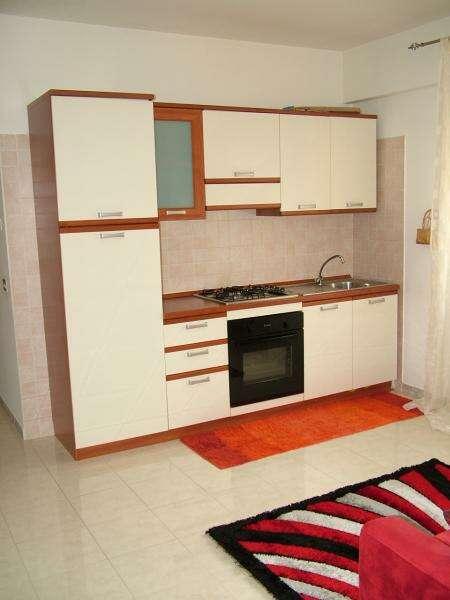 Appartamento trilocale in vendita a rende arredato for Piani di due camere da letto a schiera