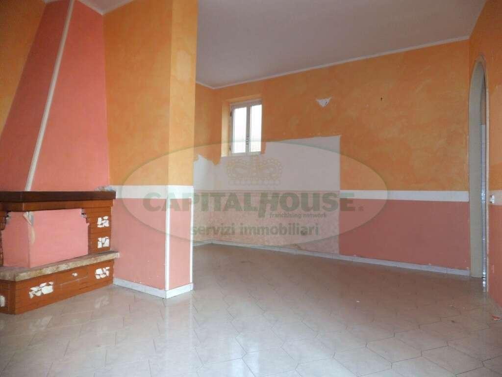Appartamento trilocale in vendita a sirignano sirignano for Moderni piani di due camere da letto