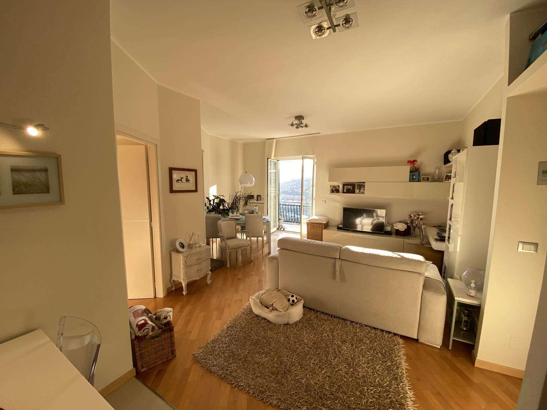 Appartamento quadrilocale in vendita a pietra ligure via for Piani di cabina di 800 piedi quadrati