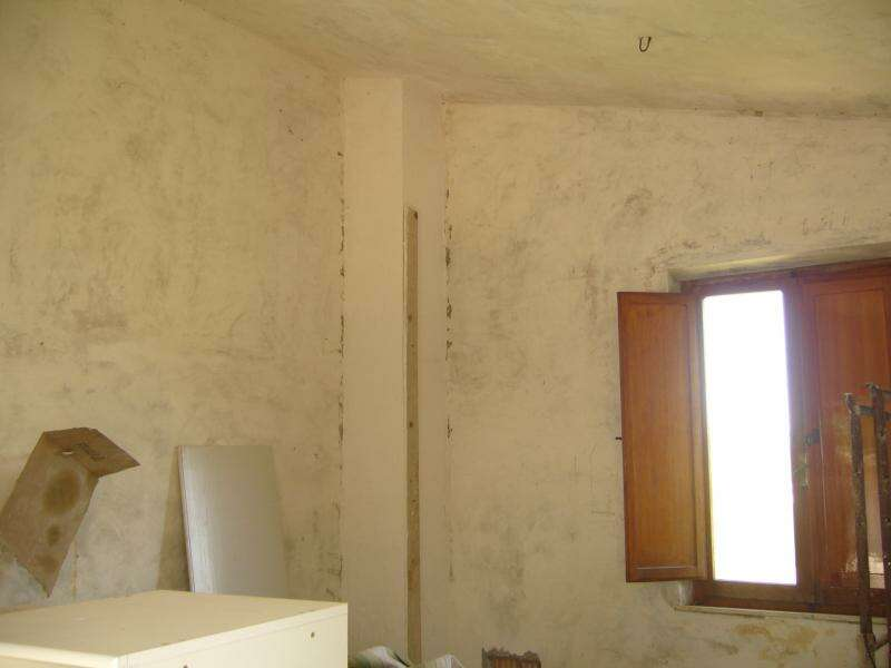 Rustico casale corte in vendita a offida contrada ciafone for Rustico un telaio cabina
