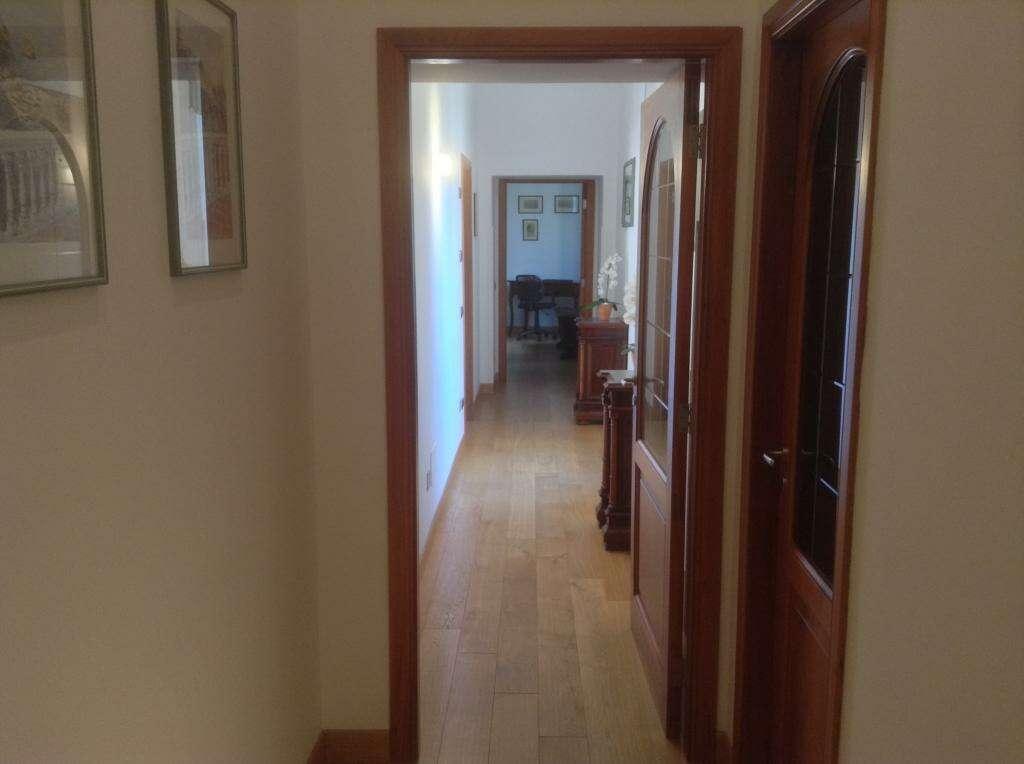 Appartamento in vendita a vico equense ristrutturato con for Appartamento di 600 metri quadrati con 2 camere da letto