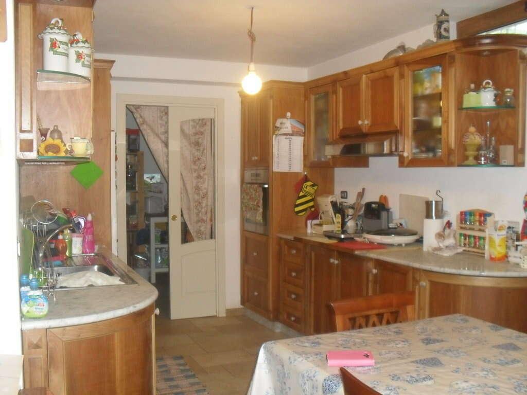 Tassa Soggiorno Pietrasanta : Villa singola in vendita a pietrasanta via barcaio