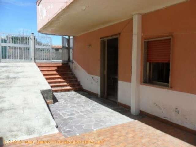 Appartamento quadrilocale in affitto a barcellona pozzo di for 3 camere da letto finito seminterrato in affitto