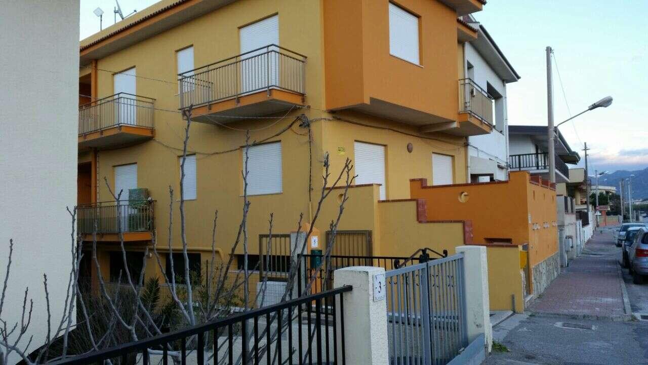 Appartamento pentalocale in affitto a barcellona pozzo di for Barcellona case affitto