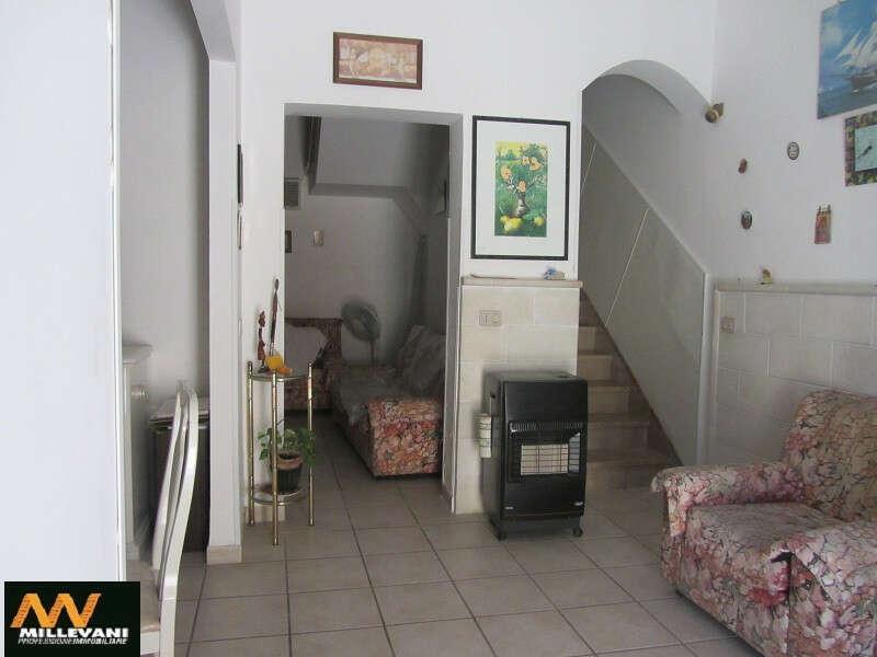 Casa indipendente in vendita a scicli donnalucata via for Casa di 700 metri quadrati in vendita