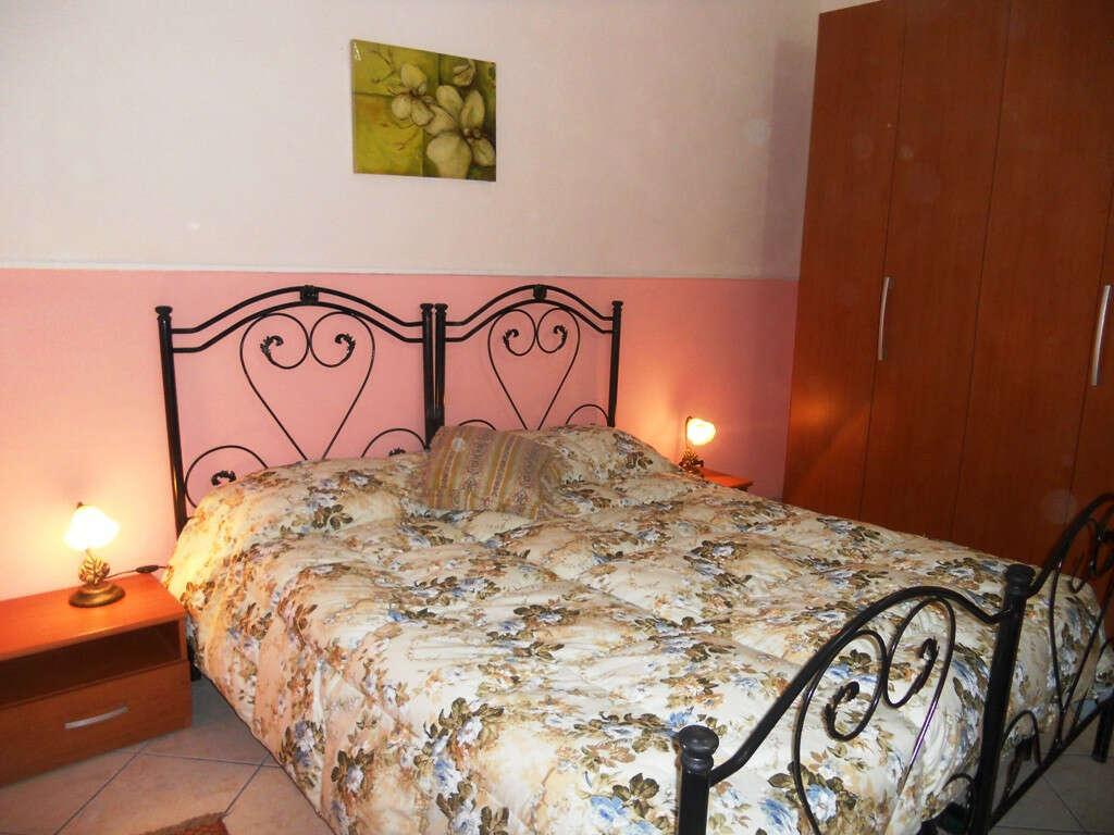 Casa vacanze in affitto a scicli iungi via dalia arredato for Piani di due camere da letto
