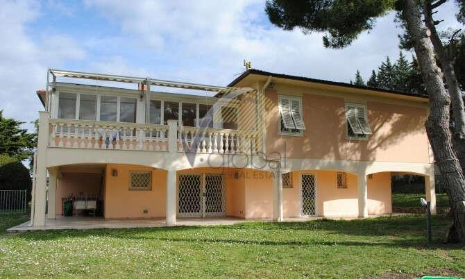 Villa in vendita a livorno via della salute for Ville ristrutturate