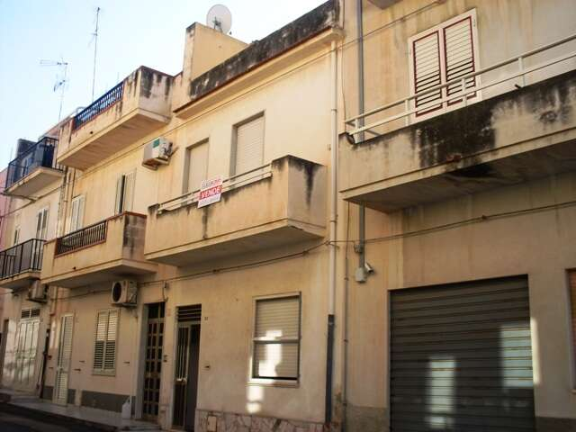 Casa indipendente in vendita a scicli donnalucata via for Venezia soggiorno