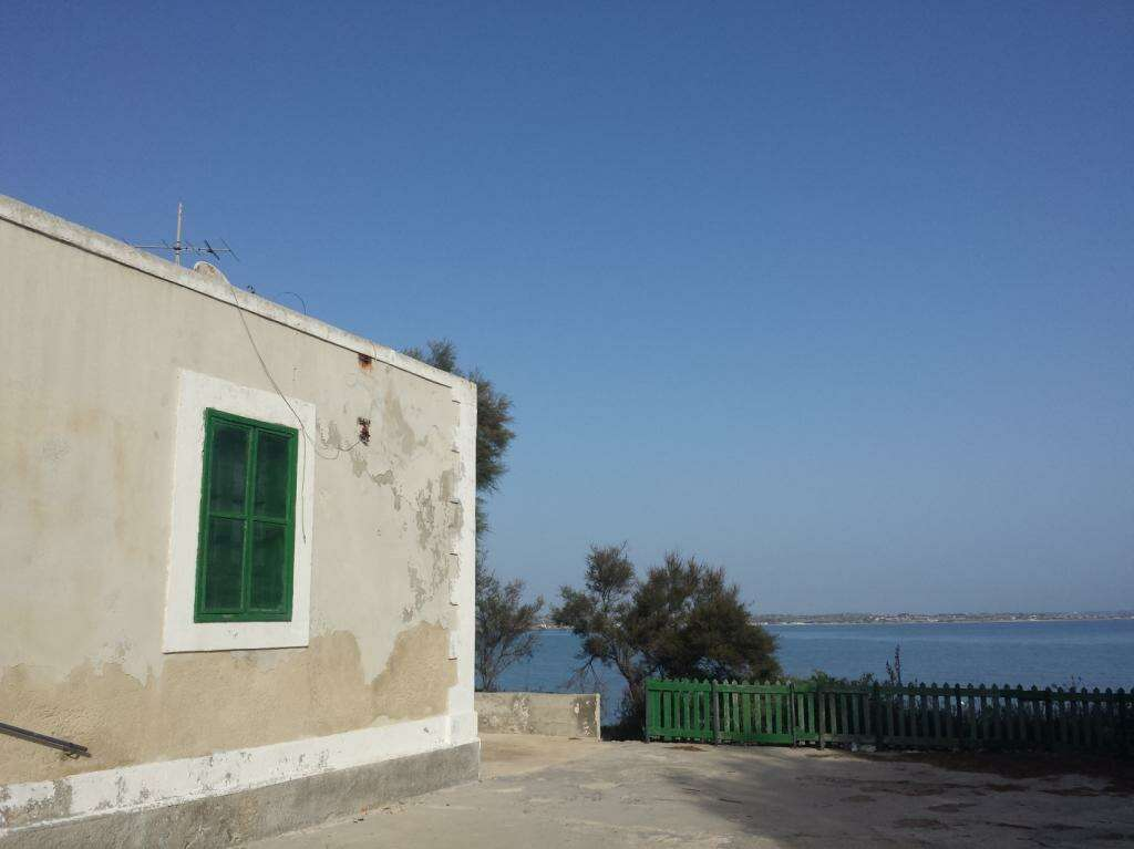 Casa indipendente in vendita a ispica porto ulisse sul for Casa di 2 piani in vendita