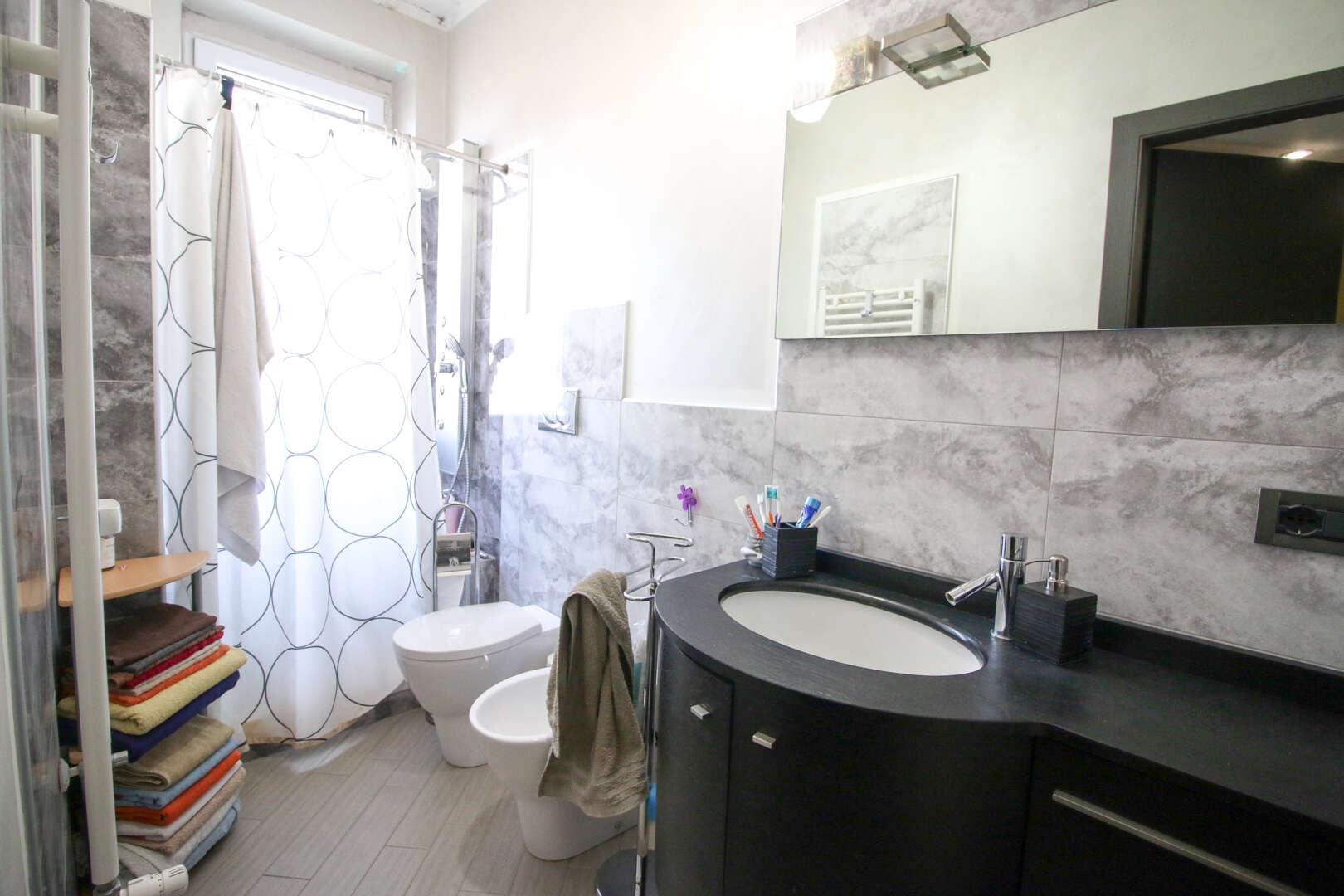 Appartamento trilocale in vendita a Torino Barriera Milano ...